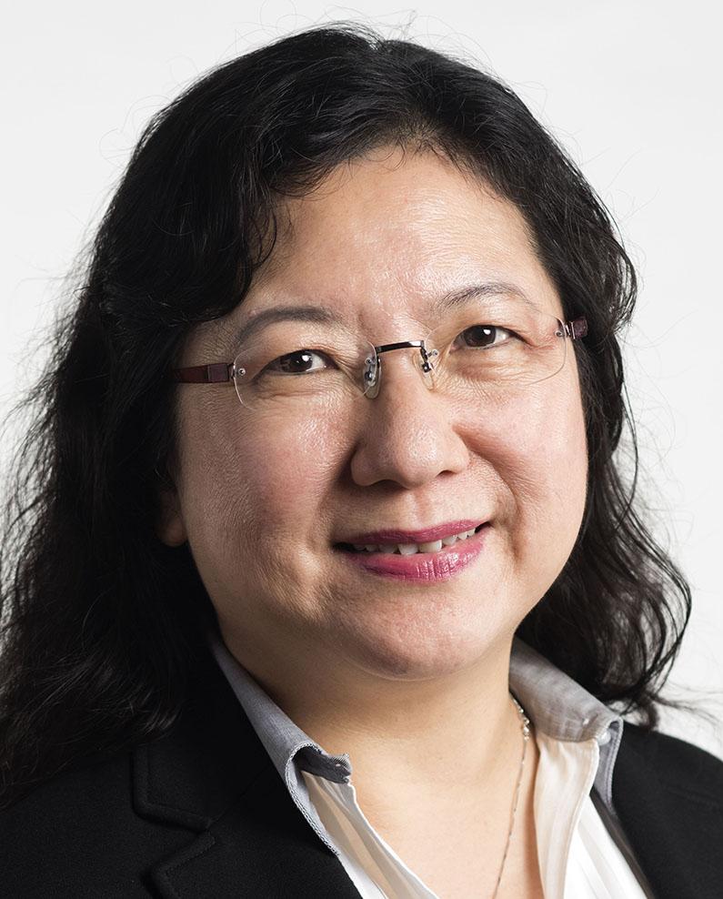 Dr Caroline Chee